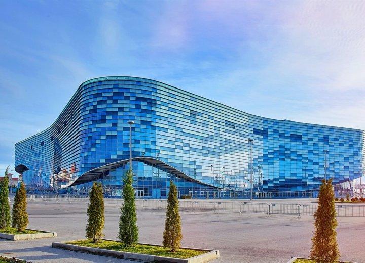 Ледовый дворец «Айсберг» и дворец спорта «Большой»